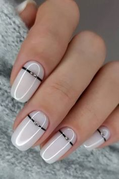 White Nail Designs Bridal Ideas Full Of Style ★ white nail designs wedding single rhinestone and stripe elina. Chic Nails, Stylish Nails, Swag Nails, White Nail Designs, Nail Art Designs, Nails Design, White Manicure, Nagellack Design, Dipped Nails