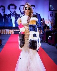 Яркая шубка прошлась по подиуму. #шуба #печворк #красноярск #русскиедизайнеры #мода #fashion #fashiondesign #modakrasnoyarsk #модаэторабота #fashionismypassion #alexandraopenko #siberia Sequin Skirt, Fur Coat, Sequins, Skirts, Jackets, Fashion, Down Jackets, Moda, Skirt