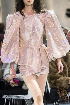 Alexandre Vauthier at Couture Spring 2019 - Details Runway Photos Cute Fashion, High Fashion, Fashion Show, Fashion Looks, Couture Dresses, Fashion Dresses, Runway Fashion, Womens Fashion, Fashion Trends