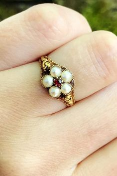 30 Pearl Engagement Rings For A Beautiful Romantic Look Best Engagement Rings, Antique Engagement Rings, Antique Rings, Antique Jewelry, Vintage Jewelry, Ring Verlobung, Pearl Ring, Vintage Costume Jewelry, Wholesale Jewelry
