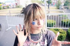 juliet simms. her voice, her style, her personality, everything. just simply inspiring.