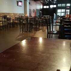 Avocado Restaurant & Lounge - Irving, TX, United States. Got here before lunch rush.