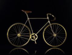 Aurumania Gold Bike Crystal Editions, The most expensive fixie bike in the world is handmade 24 karat gold plated,and decorated with Swarosvki crystals on The handle grip and its saddle coated hand-stitched premium leather. Velo Design, Bicycle Design, Golden Bike, Bici Fixed, Mtb, Velo Vintage, Push Bikes, Fixed Gear Bike, Cars
