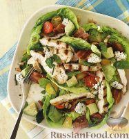 Фото к рецепту: Салат с овощами и жареным куриным филе