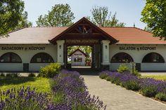 Aktiv, Soho, Gazebo, Outdoor Structures, Cabin, Mansions, House Styles, Home Decor, Kiosk