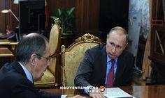 Vật sau lưng ông Putin trong điện Kremlin gây bàn tán