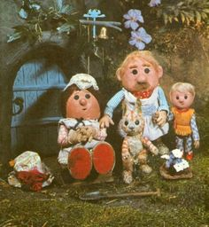 The Pogles of Pogles Wood. 'Met' them at an Oliver Postgate/Peter Firmin seminar along with Bagpuss at the National Film Theatre in London! 1970s Childhood, My Childhood Memories, Those Were The Days, The Good Old Days, Vintage Children, My Children, Kids Tv, Old Tv Shows, Ol Days