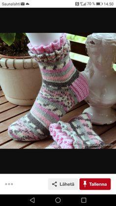 Knitting Charts, Baby Knitting Patterns, Knitting Socks, Hand Knitting, Crochet Patterns, Knit Stockings, Happy Socks, Knit Or Crochet, Sock Shoes