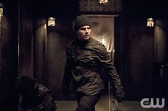 """Arrow -- """"Nanda Parbat"""" -- Image AR315B_0419b -- Pictured: Stephen Amell as Oliver Queen -- Photo: Cate Cameron/The CW -- © 2015 The CW Network, LLC. All Rights Reserved.pn"""