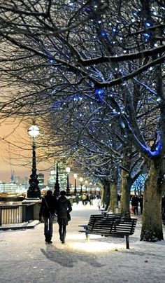 South Bank, London, England — by Kathryn. A walk along by the River Thames in … South Bank, London, England Winter Szenen, Winter Time, Winter Walk, Winter Night, Paris Winter, Cold Night, Winter Travel, Winter Season, Snow Scenes