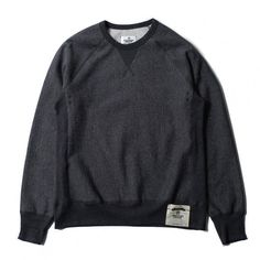 Reigning Champ Crewneck. Nothing beats a really grey #fleece #crewneck for layering when I travel