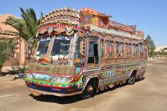 an indigenous form of art performed in Pakistan: the Truck Painting.