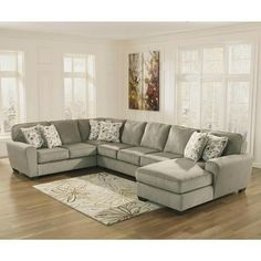 I like the look of this sectional. Would be perfect in my family room!
