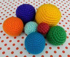 Amigurumi Tutorial en Español: Esferas perfectas aquí: http://daxarabalea.blogspot.com.es/2015/03/compartiendo-mi-secreto-para-tejer.html