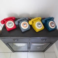 Retro 1960s 746 Telephone