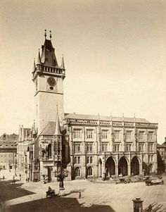 Prague thru time. Old Pictures, Old Photos, Prague Photos, Heart Of Europe, Prague Czech, Street Photo, Beautiful Buildings, Czech Republic, History