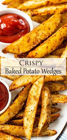 These Oven Baked Potato Wedges are so crispy and has the BEST seasoning mix. This easy side dish idea is a BETTER than a restaurant! Dinner Side Dishes, Best Side Dishes, Side Dish Recipes, Vegetable Recipes, Healthy Side Dishes, Potato Sides, Potato Side Dishes, Vegetable Dishes, Potato Recipes Side Dishes Easy