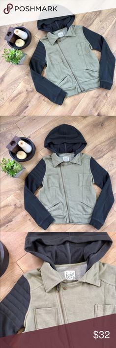 Billabong Juniors Army Green & Gray Jacket - M Billabong Juniors Army Green & Gray Jacket - M. Stylish cross zip jacket. Sweatshirt material. Juniors size. Hoodie. Great Condition. Billabong Jackets & Coats