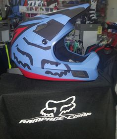 Fox off-road Helmet Dirt Bike Gear, Motocross Gear, Bmx, Dirt Biking, Protection Moto, Motorcycle Helmets, Fox Helmets, Bike Couple, Road Bike Women