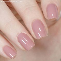Want some ideas for wedding nail polish designs? This article is a collection of our favorite nail polish designs for your special day. Nail Art Designs, Short Nail Designs, Nail Polish Designs, Nail Polish Colors, Nail Polishes, Natural Nail Polish Color, Gel Polish, Neutral Nails, Nude Nails