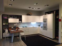 #Cucina #Scavolini modello #Motus: anta decorativo bianco puro #castellettiarredamenti #Kitchen #living #interiordesign