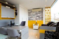 Dormitorio cinza e amarelo Home Office Movel sob medida Mesa pintada Cama solteiro auxiliar