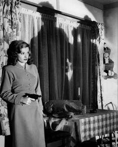 Jane Greer in Out of the Past, an American film noir movie from 1947 Pulp Fiction, Crime Fiction, Classic Film Noir, Classic Films, Classic Hollywood, Old Hollywood, Hollywood Glamour, Hollywood Cinema, Hollywood Stars