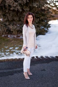 Pale neutrals and skinny jeans on Lipgloss & Labels. Plus I love this metallic clutch from Stella & Dot!