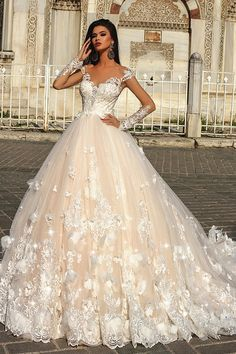 Gorgeous Tulle Scoop Neckline Ball Gown Wedding Dress With Lace Appliques & Handmade Flowers & Beadings