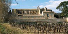 Abbaye de Valmagne, cathédrale des vignes, Hérault Languedoc Abbaye Cistercienne 12 et 14ème siècles Sainte Marie de Valmagne est une abbaye sur la commune de Villeveyrac,