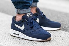 NIKE Women's Shoes - Nike Air Max 1 Essential Midnight Navy Light Bone post image - Find deals and best selling products for Nike Shoes for Women Nike Shoes Cheap, Nike Free Shoes, Nike Shoes Outlet, Running Shoes Nike, Cheap Nike, Nike Air Max, Nike Air Force, Best Sneakers, Air Max Sneakers