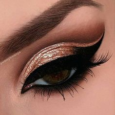 @vanyxvanja's amazing double cut crease inspired by @dressyourface. Those gold foil lids are absolutely beautiful. Vanessa is wearing ESQIDO lashes in Unforgettable to complete this look. www.esqido.com/shop #esqido