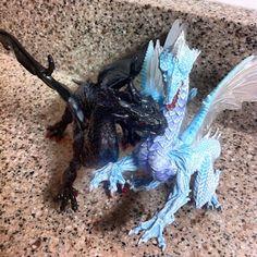 The Dragyn's Lair: Dragons! SafariLtd #Giveaway #TFNY #TF13
