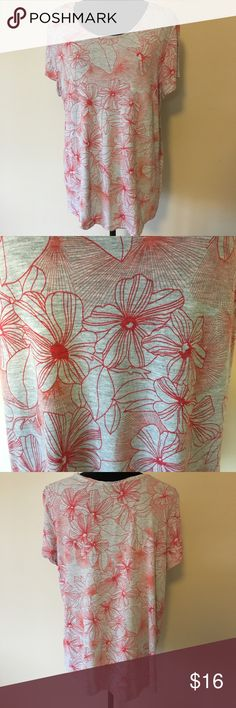 GAP XXL Luxe Tee A longer fit, relaxed and really soft.  Beautiful print.  Only worn 2x! GAP Tops Tees - Short Sleeve