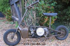 1943 Excelsior Welbike 98cc MK1/2 WW2 Folding military motorcycle. The smallest motorcycle to see service with the British military.