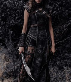 Queen Aesthetic, Princess Aesthetic, Character Aesthetic, Krieger Make-up, Kleidung Design, Images Esthétiques, Fantasy Gowns, Noctis, Warrior Princess