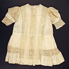 1910-13 child's linen dress, French
