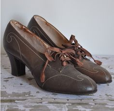 1930s Art Deco shoes