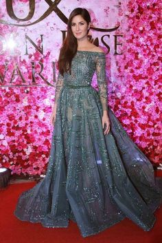 40 katrina kaif photos with makeup and beautiful dresses styleateaze com 292030357083928969 Indian Wedding Gowns, Indian Gowns, Pakistani Dresses, Pakistani Suits, Pakistani Bridal, Indian Bridal, Katrina Kaif Photo, Reception Gown, Engagement Dresses