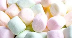 A lovely sweet and sticky creamy marshmallow fragrance. Not suitable for use in candles or aroma beads. Mini Marshmallows, Tout Rose, Aroma Beads, Halloween Sweets, Chocolate Sweets, Valentines Day Treats, Food Lists, Sweet Recipes, Desert Recipes