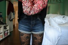 Must get some tights like those to wear with my shorts :)