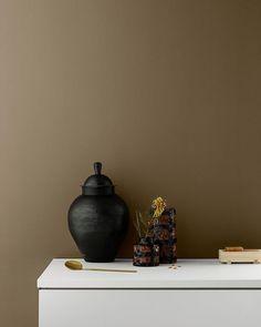 De gylne tonene er tilbake. LADY 10963 Golden Broze er en ny favoritt blant våre brune og gylne farger. Nydelig når du ønsker å skape en… Nars, Instagram, Home Decor, Brown, Homemade Home Decor, Decoration Home, Interior Decorating