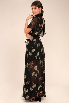 The Every Little Thing Black Floral Print Maxi Dress will make everything alright! Black floral print chiffon creates this stunning maxi dress. Elegant Dresses, Sexy Dresses, Nice Dresses, Casual Dresses, Fashion Dresses, Awesome Dresses, Shifon Dress, Dress Outfits, Beautiful Dress Designs