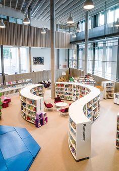 Nesodden Public Library (NO) - Diy Interior Design Public Library Design, Bookstore Design, School Library Design, Kids Library, Plans Architecture, Library Architecture, School Architecture, Interior Architecture, Library Inspiration