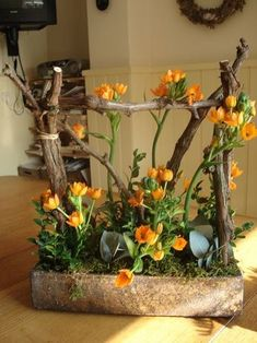 The days are getting longer and the flowers are beginning to bloom. Wir habe… The days are getting longer and the flowers start … - Deco Floral, Arte Floral, Floral Design, Fresh Flowers, Spring Flowers, Beautiful Flowers, Deco Nature, Flower Boxes, Ikebana