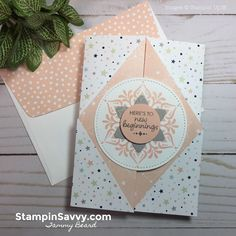 Double gate fold card (with triangle points) ~ tutorial by Tammy Beard at Stampin Savvy. Tammy makes it clear and understandable! Card Making Templates, Card Making Tutorials, Card Making Techniques, Making Ideas, Fancy Fold Cards, Folded Cards, Hand Made Greeting Cards, Double Gate, Step Cards