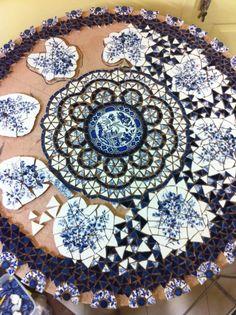 broken china table - Mosaic in progress. Pebble Mosaic, Mosaic Art, Mosaic Glass, Mosaic Tiles, Glass Art, Stained Glass, Mosaic Backsplash, Tiling, Mosaic Crafts