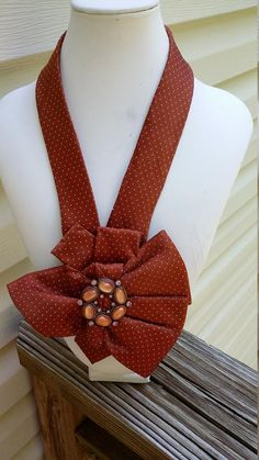 Repurposed necklace made from a necktie. Women Bow Tie, Tie Crafts, Gold Tie, Handmade Items, Handmade Gifts, Neck Scarves, Scarf Styles, Fabric Flowers, Womens Scarves