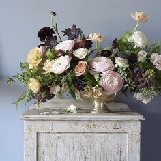 A moment from our @flowermagazine shoot. Those hellebores are everything! Photo by @monicabuckphoto.