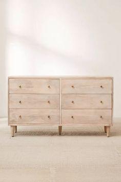 Natural Wood Dresser, Light Wood Dresser, Nursery Dresser, Wood Nursery, Wood Bedroom, Bedroom Furniture, Ikea Bedroom Dressers, Furniture Ideas, Bedroom Vintage